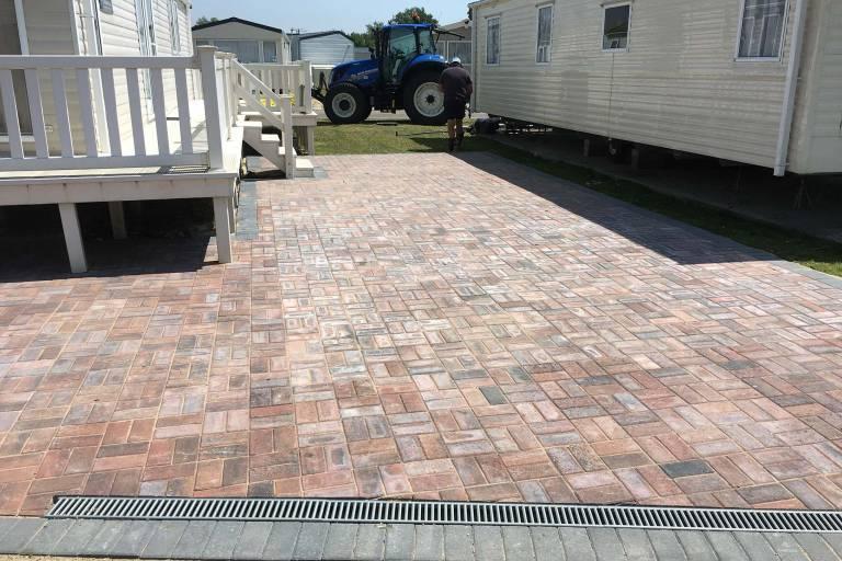 block-paving-at-mobile-home-caravan-site-3938.jpg