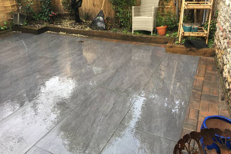 removal-of-old-patio-and-installation-of-grey-porcelain-patio-8761.JPG