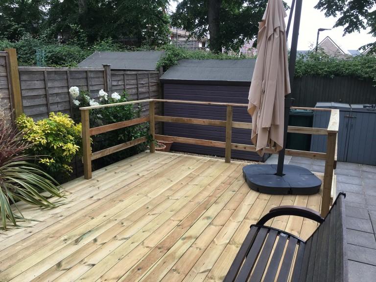 raised-deck-with-a-railing-3912.jpg